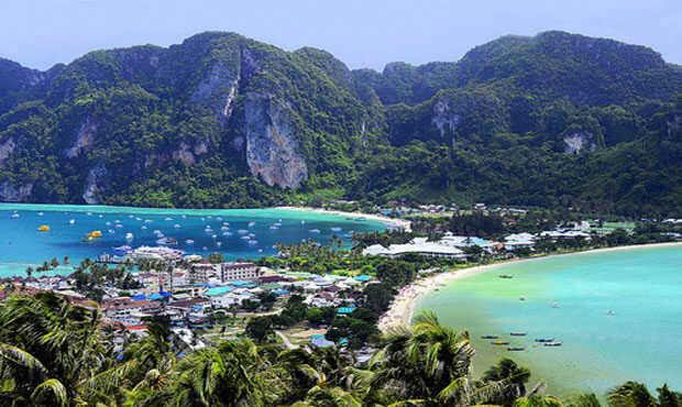 Read more about the article ทะเลไทยติดอันดับ ทะเลสวยๆในประเทศไทยเรามีที่ไหนกันบ้าง